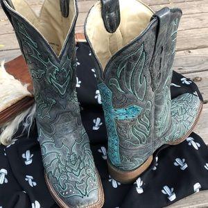 Corral vintage cowboy boots